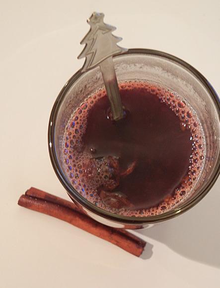 Vin chaud épicé | Crédits photo : Anne MA©