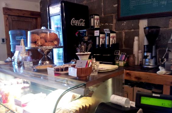 Café bistro Bobby McGee rue Ontario | Blog Montreal Addicts