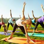 Yoga | Des cours en plein-air dans les parcs!