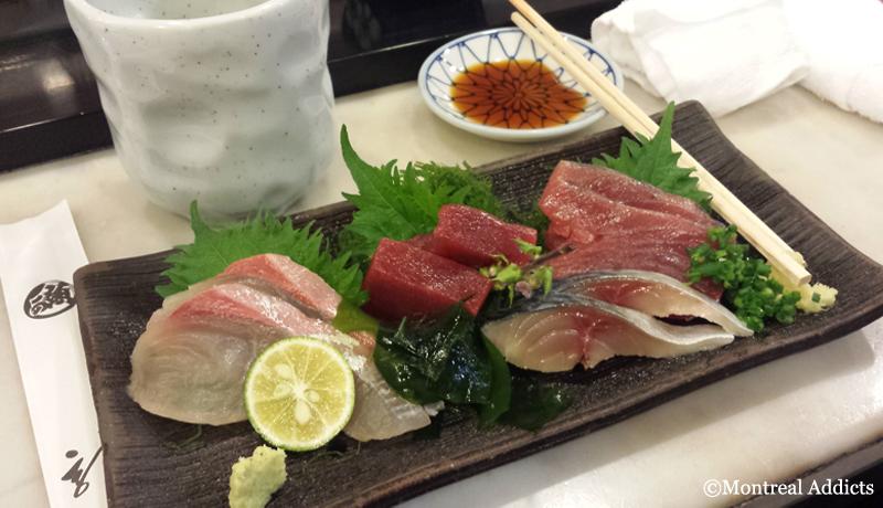Sashimi sushi at Tsukiji Market | Blog Montreal Addicts
