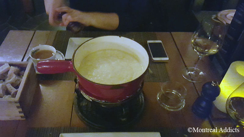 Fondue Suisse Auberge St-Gabriel | Blog Montreal Addicts