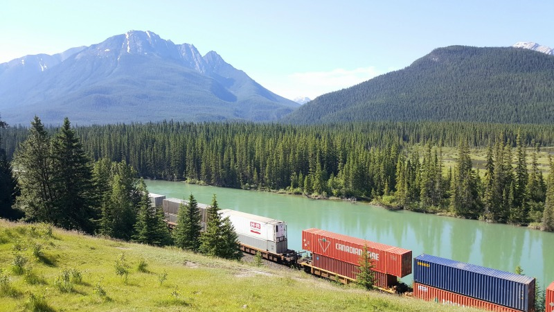 bow-valley-transcanadian-rockies-montreal-addicts