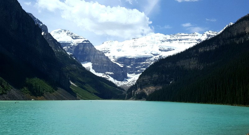 lac-louise-rockies-montreal-addicts
