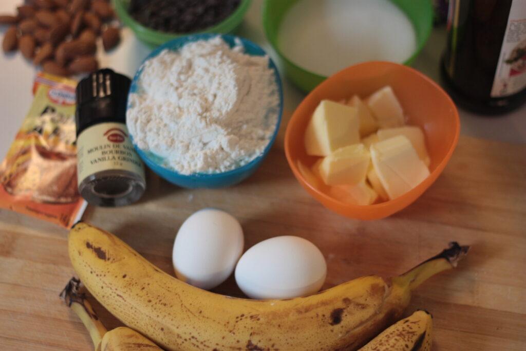 Ingrédients pour gâteau aux bananes