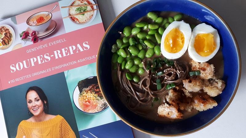 Soupe avec nouilles soba et crevettes bang bang